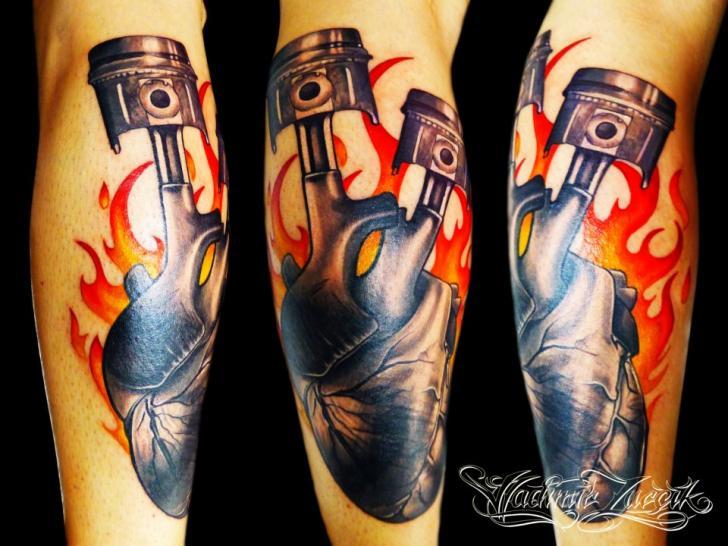 Arm Herz Kolben Flammen Tattoo von Tattoo Rascal