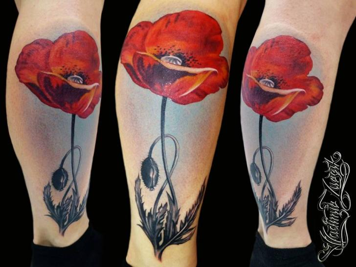 Realistische Bein Blumen Tattoo von Tattoo Rascal