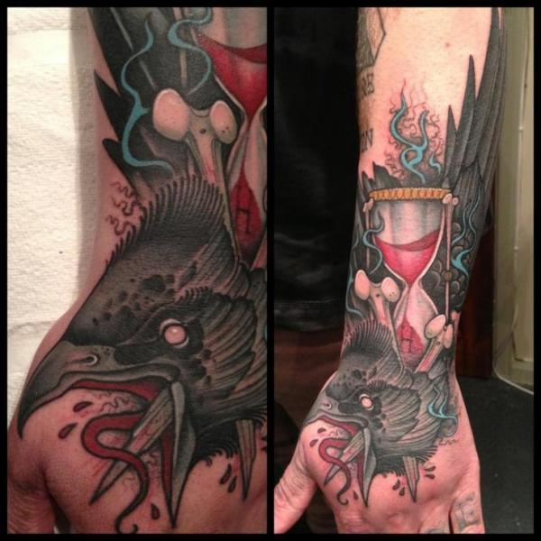 Arm Hand Wasseruhr Krähen Tattoo von Mitch Allenden