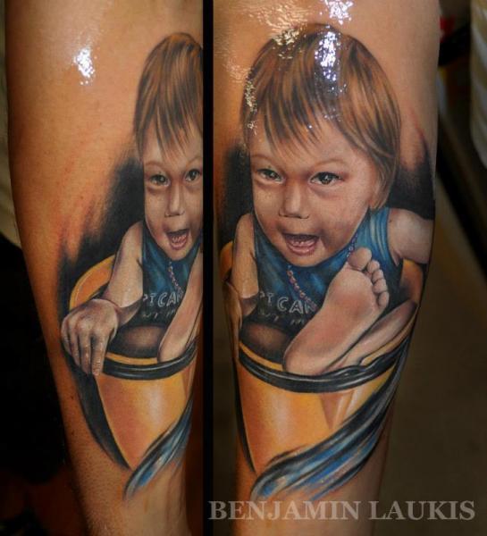Tatuaje Retrato Realista Niños por Benjamin Laukis