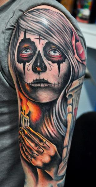 Shoulder Mexican Skull Tattoo by Benjamin Laukis