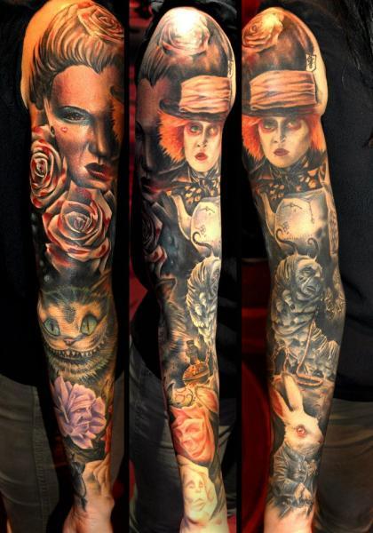 Tatuaje Fantasy Tim Burton Alice Wonderland Manga por Benjamin Laukis