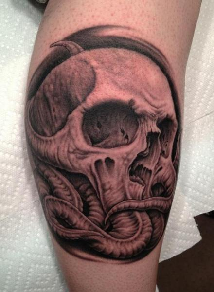 Tatuaggio Braccio Teschio di Bob Tyrrel