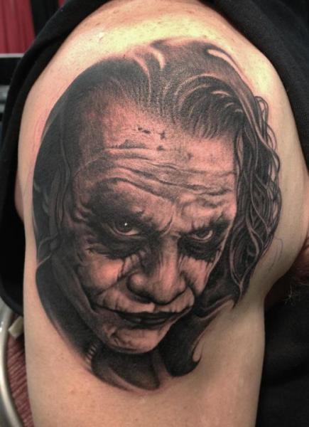 Schulter Joker Tattoo von Bob Tyrrel