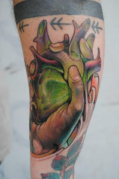 Arm Fantasie New School Herz Hand Tattoo von Victor Chil