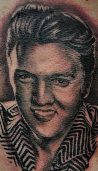 Tatuaje Retrato Realista Elvis por Triple Six Studios