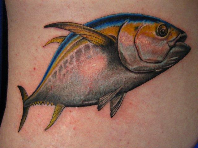Realistische Fisch Tattoo von Power Tattoo Company