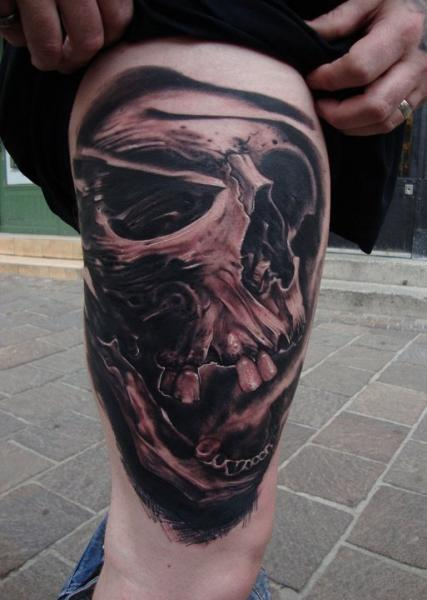 Skull Thigh Tattoo by Victor Portugal