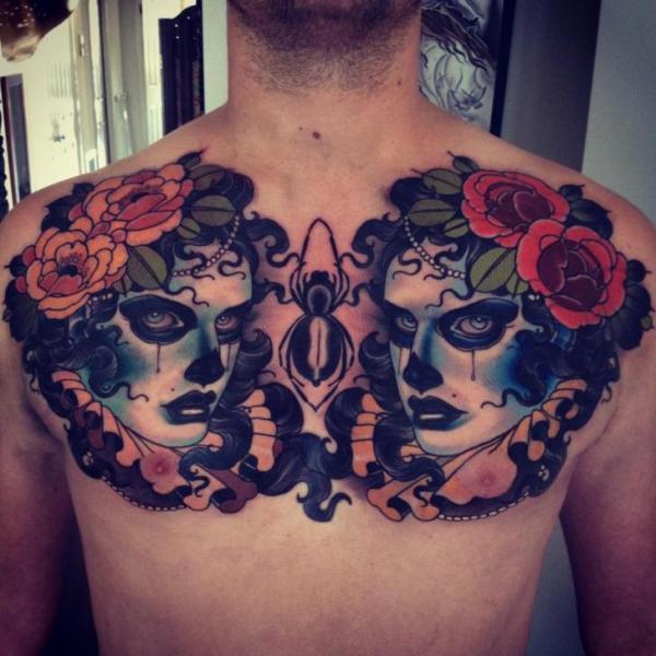 New School Frauen Rücken Tattoo von Emily Rose Murray