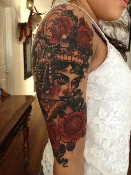 Schulter New School Kopf Tattoo von Emily Rose Murray