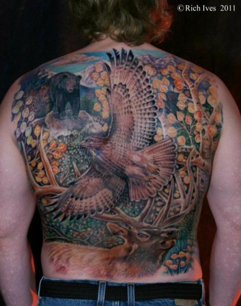 Realistische Rücken Adler Bären Reh Tattoo von Steel City Tattoo