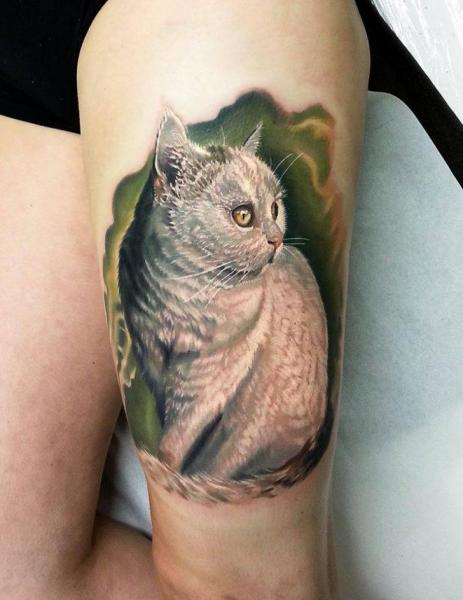 Realistic Cat Thigh Tattoo by Kronik Tattoo