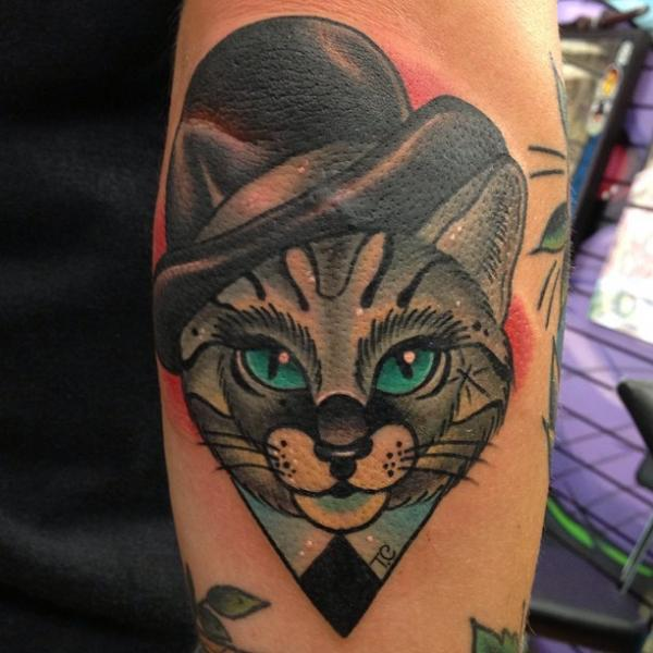 Tatuaje Brazo Fantasy New School Gato Sombrero por Mike Stocklings