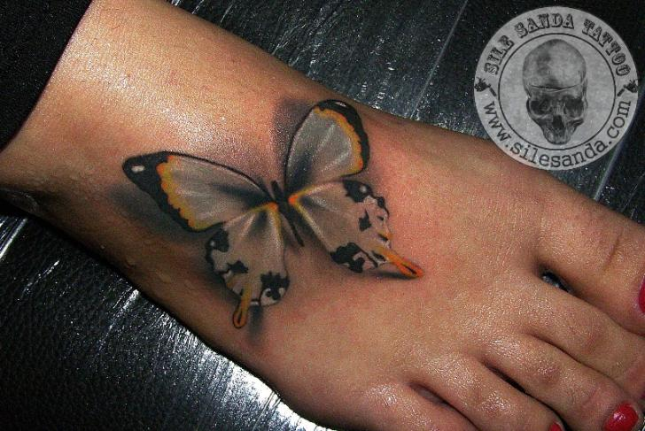 Realistic Foot Butterfly 3d Tattoo by Sile Sanda