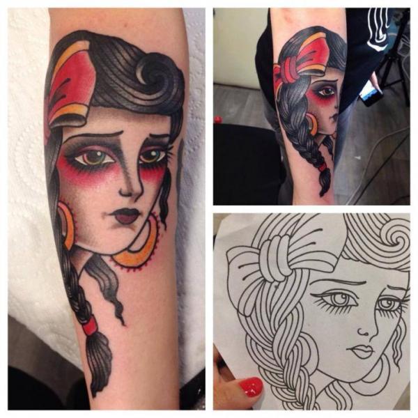 Arm Old School Kopf Tattoo von Sailor Serpent