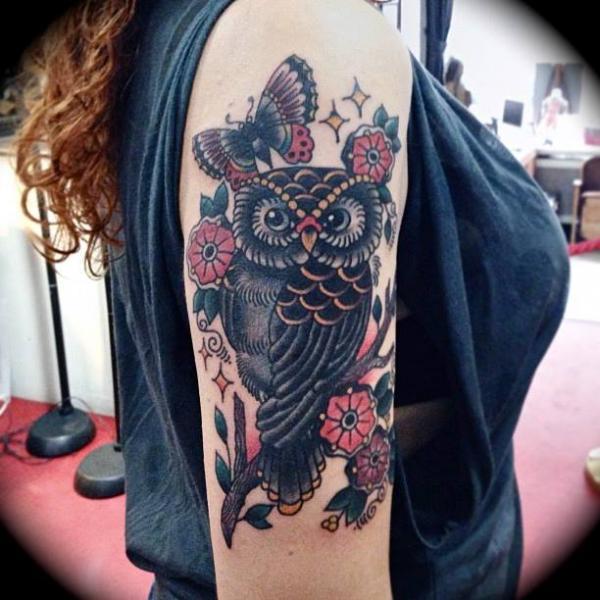 Arm Old School Eulen Tattoo von Sailor Serpent