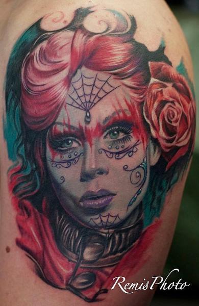 Schulter Mexikanischer Totenkopf Tattoo von Remis Tatooo