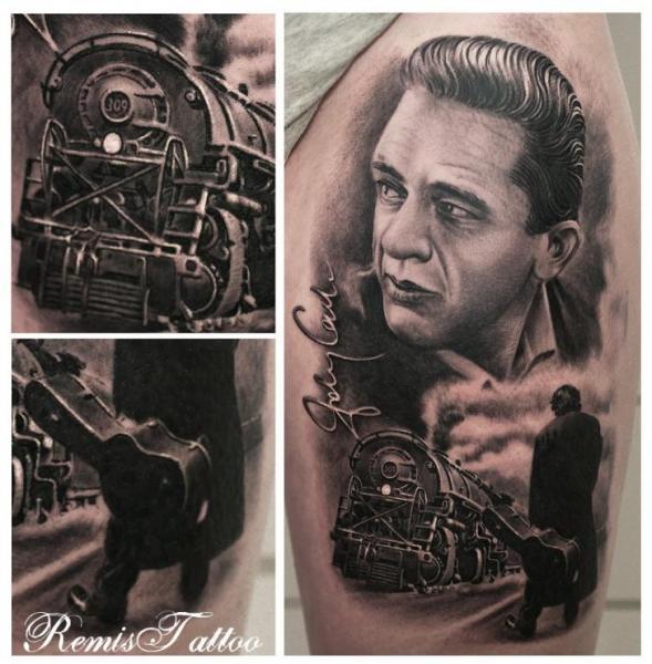 Schulter Porträt Realistische Zug Tattoo von Remis Tatooo