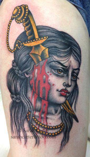 Dolch Dolch Oberschenkel Blut Tattoo von Sarah Carter