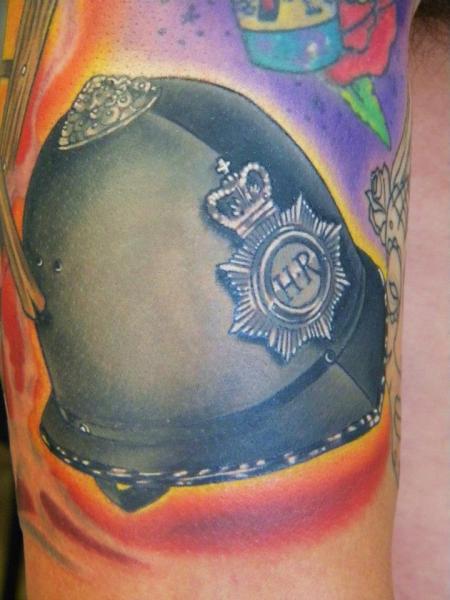 Tatuaggio Realistici Casco di Bearcat Tattoo
