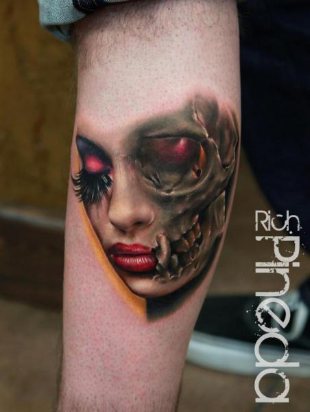 Arm Totenkopf Frauen Tattoo von Rich Pineda Tattoo