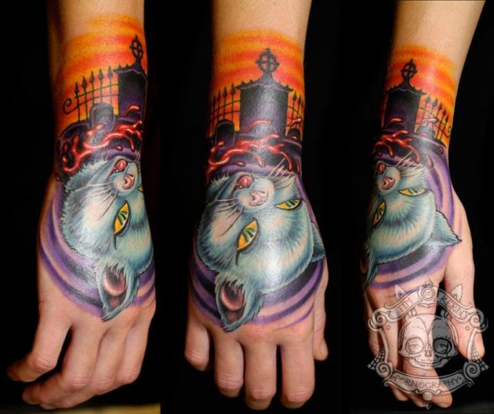 Arm Fantasie Hand Katzen Tattoo von Tim Kerr