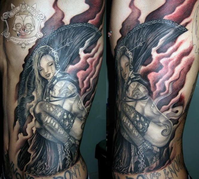 Realistische Seite Geisha Tattoo von Tim Kerr