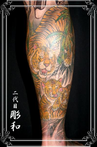 Arm Realistic Tattoo by Artistic Tattoo