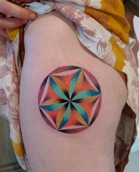 Geometric Thigh Tattoo by Mariusz Trubisz