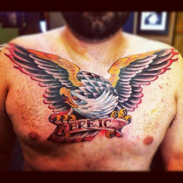 Brust Old School Adler Tattoo von Pioneer Tattoo
