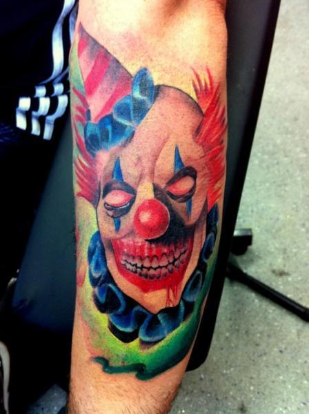 Tatuaggio Braccio Fantasy Pagliaccio di Alans Tattoo Studio