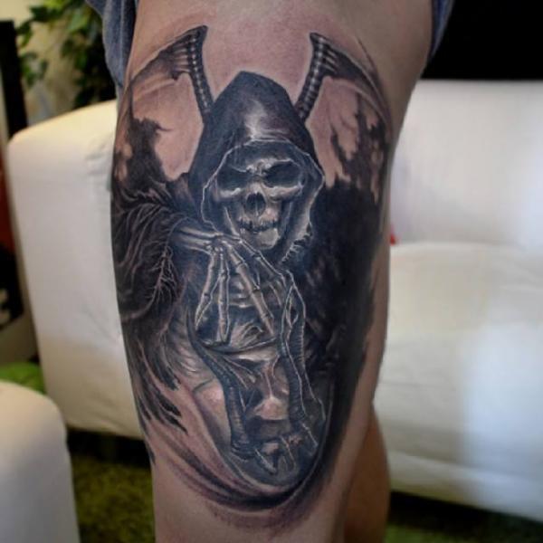 Tatuaje Fantasy Pierna Muerte por Elvin Tattoo