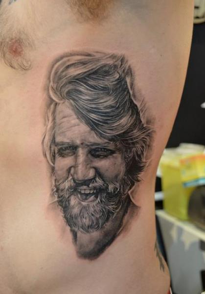 Porträt Realistische Seite Tattoo von Elvin Tattoo