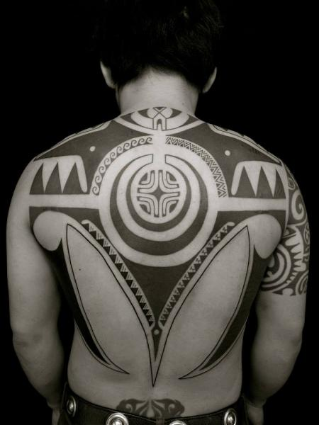 Back Tribal Tattoo by Apocaript