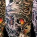 Arm Fantasie Totenkopf Crux tattoo von Dark Art Tattoo