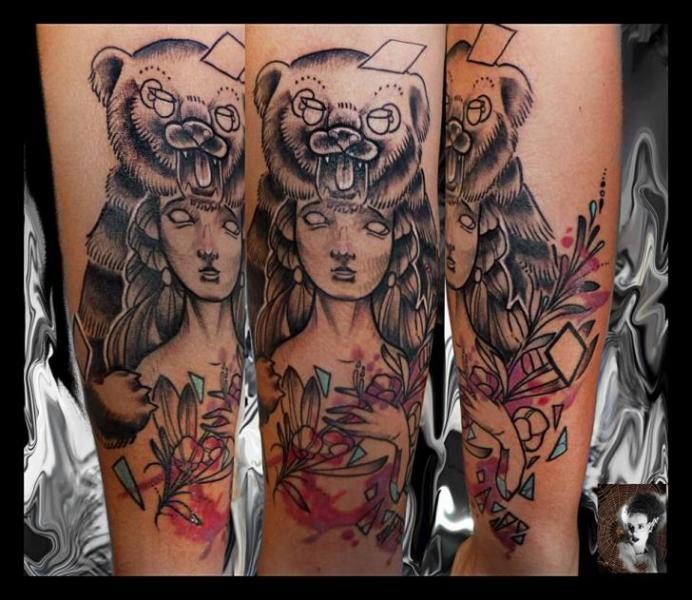 Arm Realistic Women Bear Tattoo by Morbida Tattoo