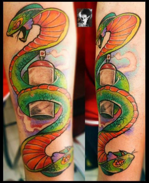 Tatuaje Brazo Serpiente por Morbida Tattoo