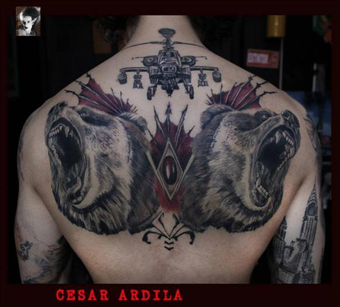 Tatuaje Realista Espalda Oso Helicóptero Por Morbida Tattoo