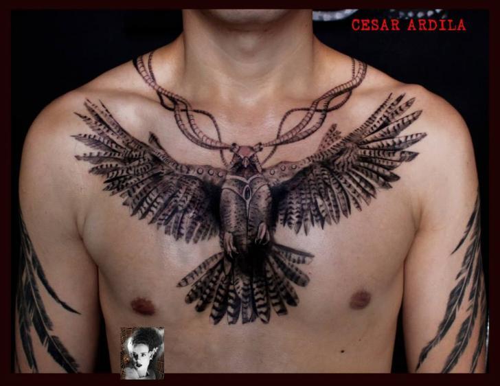 Tatuaggio Petto Aquila di Morbida Tattoo
