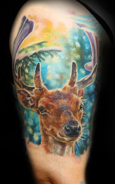 Tatuaggio Braccio Realistici Cervo di Ivan Yug