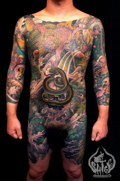 Tatouage Serpent Coffre Jambe Japonais Ventre Par Yellow Blaze Tattoo