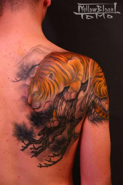 Shoulder Japanese Tiger Tattoo by Yellow Blaze Tattoo