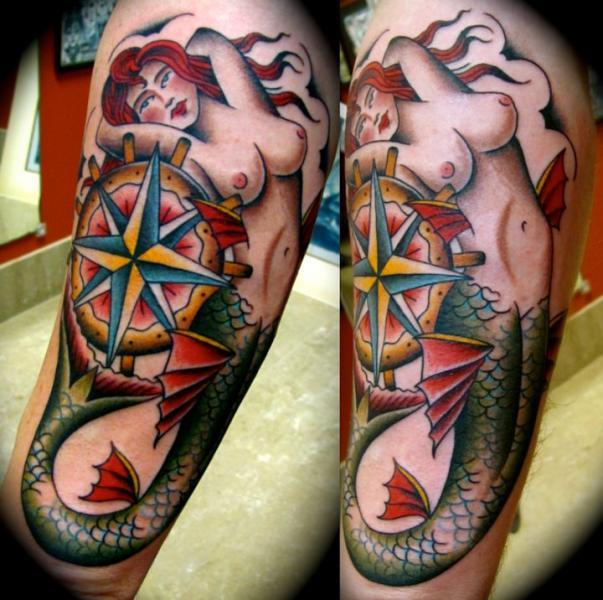 Arm Meerjungfrau Windrose Tattoo von Da Vinci Tattoo