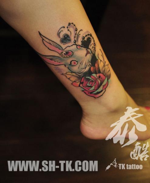 Fantasie Bein Hase Tattoo von SH TH