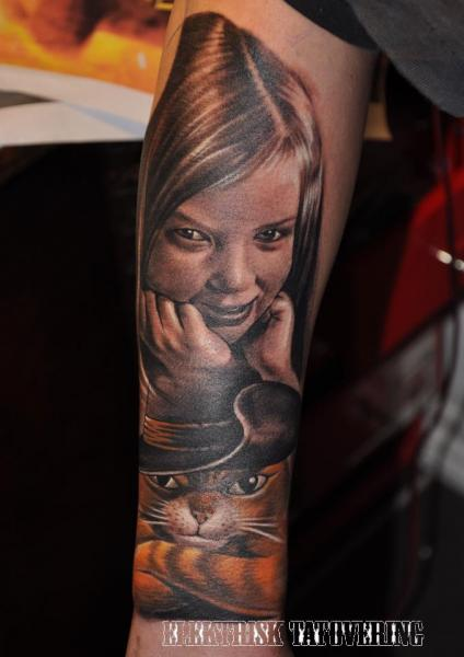 Arm Realistic Children Cat Hat Tattoo by Elektrisk Tatovering