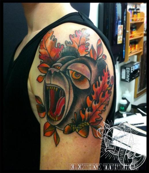 Shoulder New School Bear Tattoo by Elektrisk Tatovering