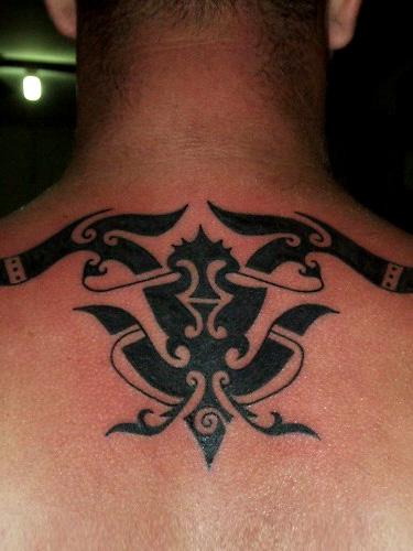 Tatuaje Tribal Cuello por Borneo Head Hunter