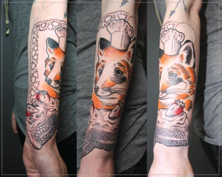 Tatuaje Brazo Fantasy Zorro Sombrero por Jessica Mach
