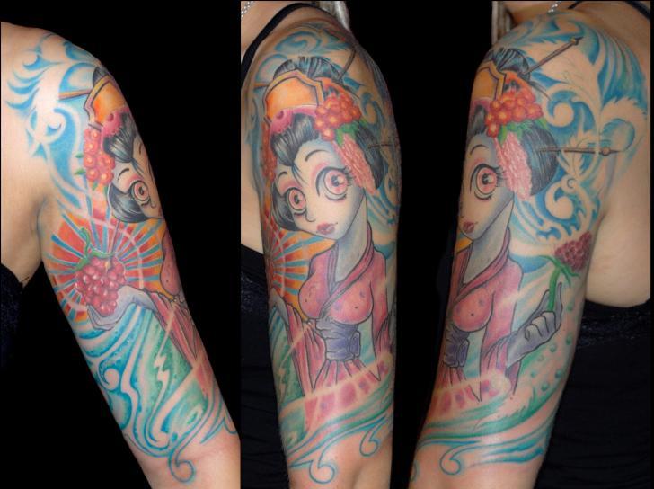 Tatuaggio Spalla Personaggi Geisha di Csaba Kiss