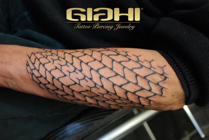Tatuaje Brazo Web por Giahi